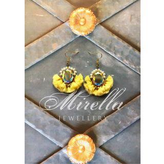 Mrs. Louisville Yellow