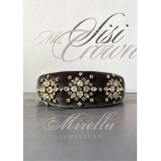 Mrs. Sisi Crown